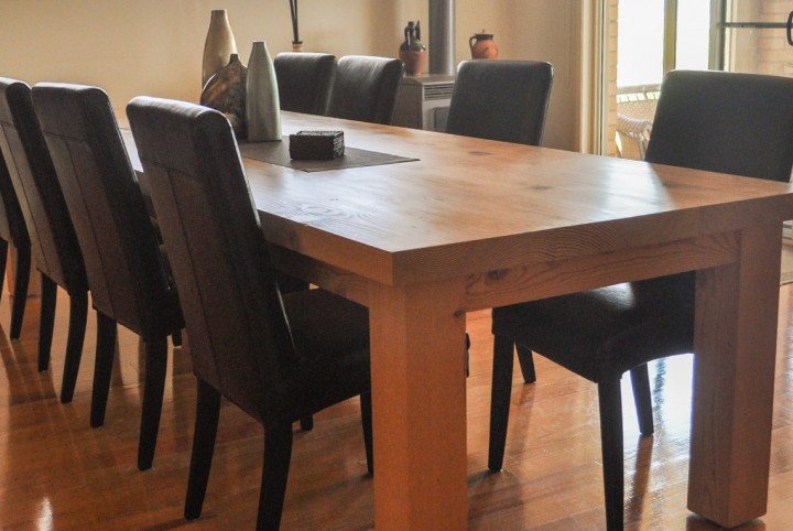 Mansfield_diningtable-feature