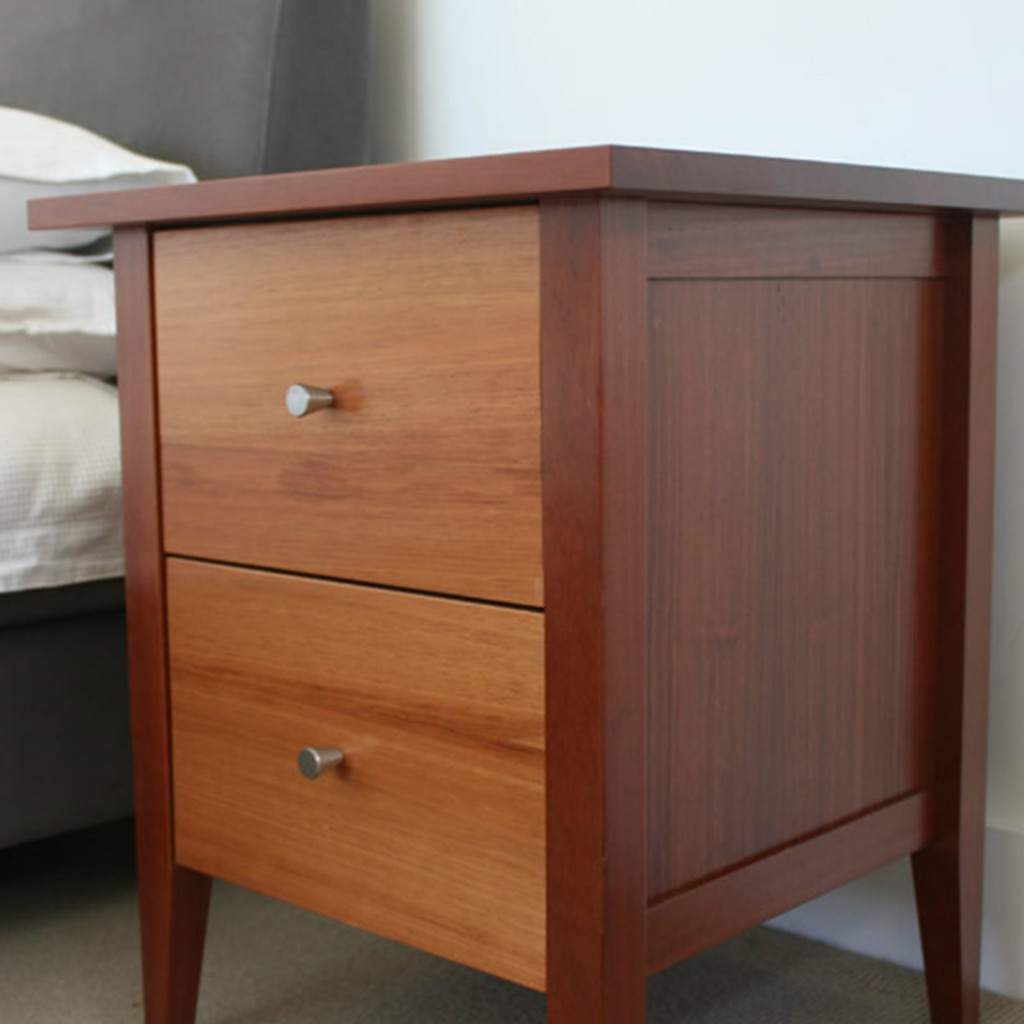 McCartney-Bedside-table_thumb02