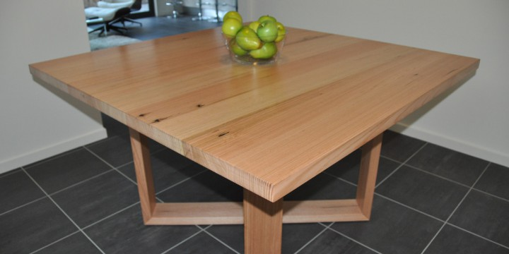 Symmetry-dining-table_feature