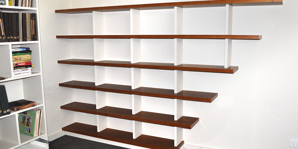 harvard_bookshelves-feature